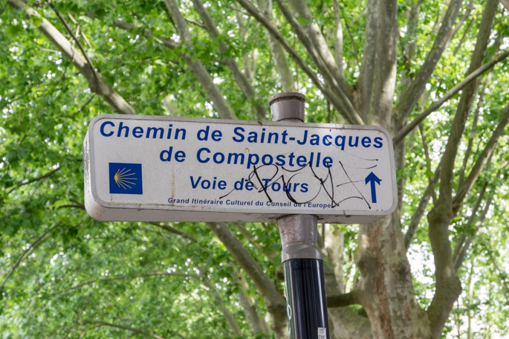 Mein täglicher Weg. Ich laufe ihn nur nie ganz bis Santiago de Compostella durch, sondern stoppe meistens schon irgendwo im Stadtzentrum von Bordeaux.